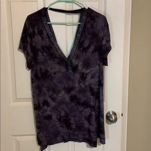 AE Grommet Tie Dye V Neck | Size XL